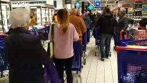 """""""On dirait la fin du monde"""", Covid-19 et quarantaine, les supermarchés pris d'assaut"""