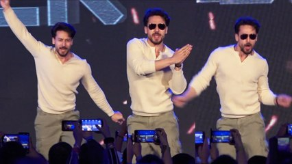 Unbelievable Tiger Shroff Crazy STUNT In Public On Stage @ Baghi3 Mega Coaching Event