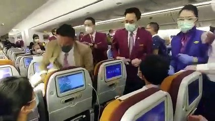 Coronavirus : Une passagère qui tousse sur le personnel d'un avion de Thai Airways