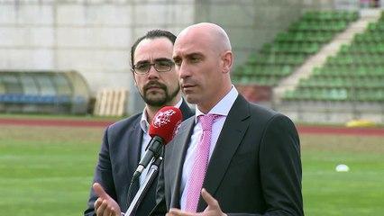 El presidente de la Real Federación Española de Fútbol confirma la paralización del fútbol español