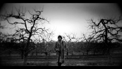 SUNDRONES - Kill Me Baby