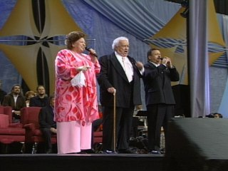 Bill & Gloria Gaither - I Believe He's Coming Back