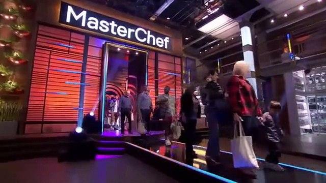 Masterchef - S10E01 - The Epic 10th Season Auditions - Pt. 1 - May 29, 2019    Masterchef (05/29/2019)