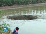 The 25 tonnes of fish from this lake disappear engulfed by this gaping hole
