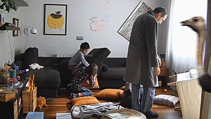 Papa maakt hilarische video over lockdown met kinderen