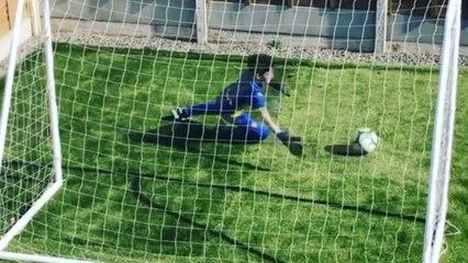Voetbalfanaat blijft trainen ondanks lockdown