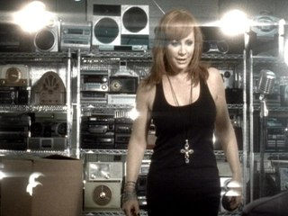Reba McEntire - Turn On The Radio