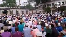 Uzmanlar, 'evde kalın' çağrısı yaparken Bangladeş'te on binlerin 'Koronavirüs duası' için toplanması tepki çekti
