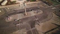 Confinement: vues du ciel, les rues de Paris sont vides