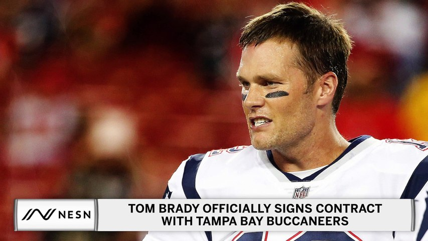 Tom Brady Officially Signs Contract With The Bucs