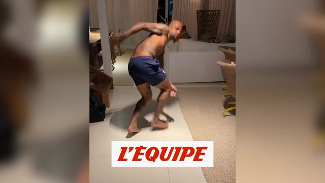 Le stay at home challenge de Melo - Foot - WTF