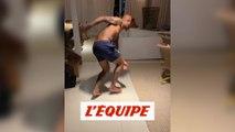 Le stay at home challenge de Felipe Melo, un tacle assassin - Foot - WTF