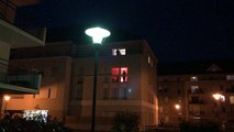 Coronavirus. Les applaudissements dans une cour d'immeuble à Angers