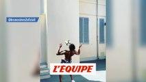 Bruno Alves jongle avec ses pecs - Foot - WTF