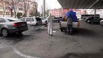 Aksaray Belediyesi korona virüsüne karşı oto ve hayvan pazarını dezenfekte ederek kapattı