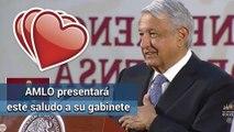 """Por Covid-19, AMLO propone nuevo saludo de """"corazón"""""""