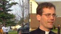 Face à coronavirus, ce prêtre a ouvert un confessionnal... sur un parking