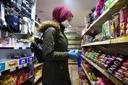 Koronavirüs tedbirleri kapsamında marketlerde yeni dönem başladı