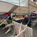 Survivor parkurunu pazara taşıyan esnaflar