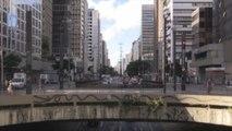 """Bolsonaro llama a la COVID-19 """"gripecita"""" y cuestiona el confinamiento"""