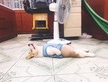 Il retrouve son chien couché au sol et va avoir la peur de sa vie