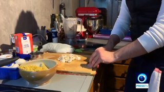 Coronavirus: French chef teaches recipe to viewers confined at home