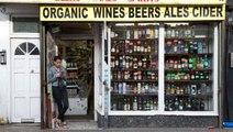 Koronavirüs: İngiltere'de alkollü içki satan mini marketler 'açık kalması gerekli satış noktaları'...