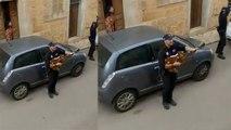 Lock Down के दौरान Spain Police लोगों के घर के बाहर कर रही ये काम; Viral Video   Boldsky