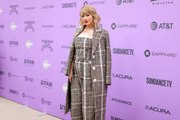 Taylor Swift Offered $3,000 Apiece to Fans Dealing with Coronavirus-Related Struggles