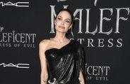 Coronavirus: Angelina Jolie nourrit les enfants dans le besoin