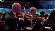 Orchestre classique sans le son des instruments ? Parodie !
