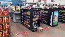 Supermercado adota uma série de medidas de prevenção ao Covid-19, incluindo aferição de temperatura