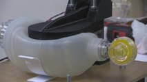 Universidad salvadoreña desarrolla respirador mecánico para apoyar a profesionales de la salud