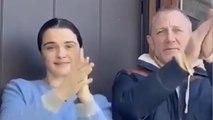 De la reine Elizabeth II à James Bond: le Royaume-Uni applaudit son personnel soignant