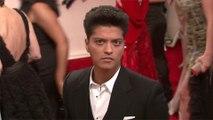 Bruno Mars pledges $1 million to Las Vegas unemployed