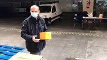 Les agents municipaux s'occupent de la distribution des protections médicales