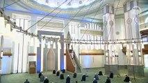 Beştepe Millet Camii'nde az katılımla tedbirli cuma namazı