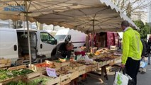 Annecy organise un mini-marché dans la cour d'une école pour aider ses producteurs locaux
