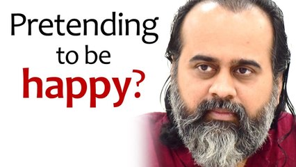 Pretending to be happy? || Acharya Prashant (2020)