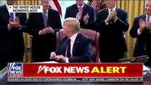 Trump montre comment propager le Coronavirus