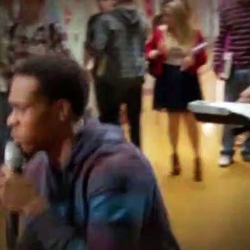 Suburgatory S02E13 Blowtox and Burlap