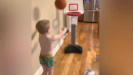 Prepara una carrera de obstáculos en casa para su hijo