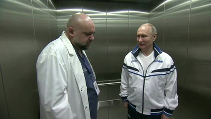 Doctor who showed Putin round hospital tests positive