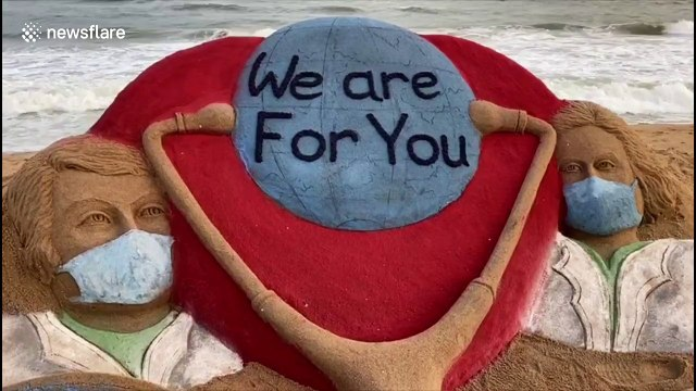 Indian sand artist creates tribute to country's medics amid coronavirus pandemic