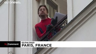 Parisian entertains neighbours with nightly quiz during confinement