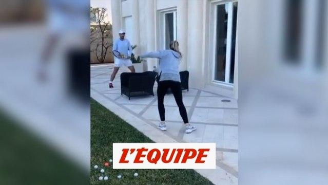 Rafael Nadal affronte sa soeur sur une terrasse - Tennis - WTF
