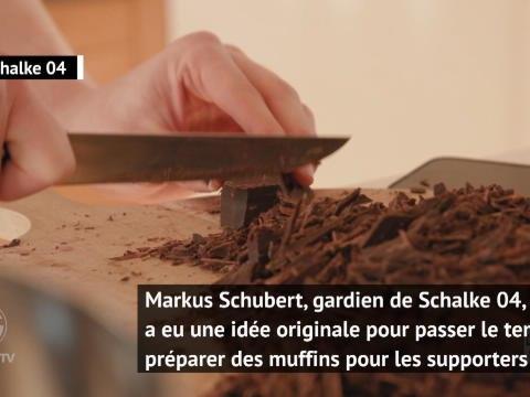 Coronavirus - Le gardien de Schalke 04 cuisine des muffins pour ses supporters !
