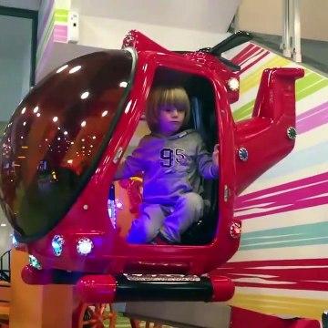 Lightning McQueen y Hot Wheels Cars Driving, video de juguetes para niños