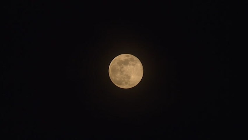 Time-lapse video captures supermoon's movement across sky