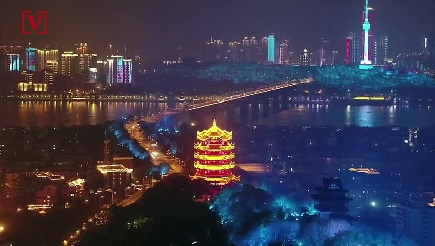 Lightshow Honors Heroes in Wuhan, China
